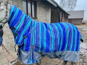 Myynti: Uus 135cm vihmakindel combo neck õuetekk, 600DEN