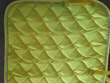 Selling: Dressage saddle pad + bandages