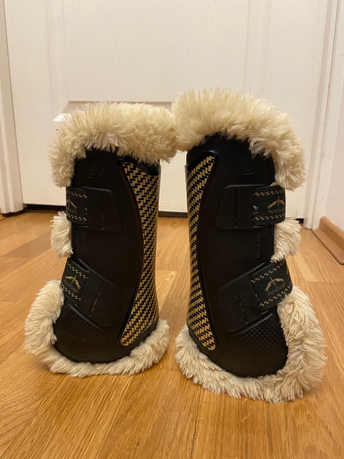 Veredus Kevlar Gel Vento Save The Sheep front boots, pony
