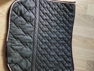 Selling: LAURIA GARELLI dressage saddle pad